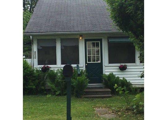 Bud's Cottage Facebook1
