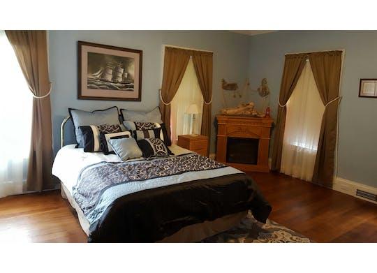 Centennial Inn Bed & Breakfast 4