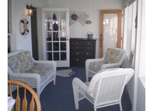 Shoreside Cottage Facebook3