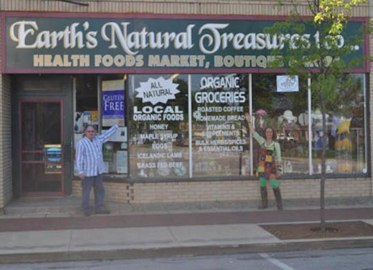 Earth's Natural Treasures & The Natural Cafe & Deli