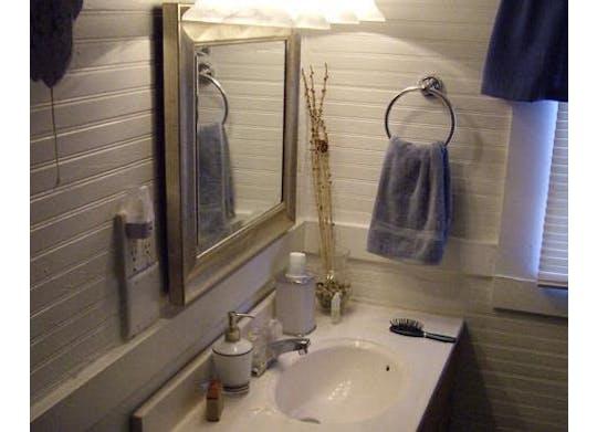 Shoreside Cottage Facebook2