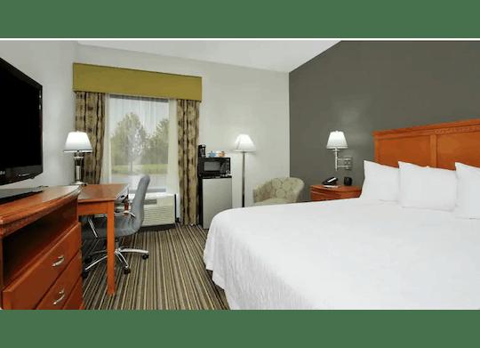 Hamptoninnashtabula Room