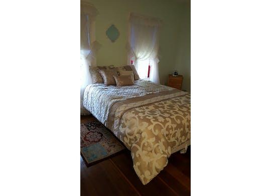 Centennial Inn Bed & Breakfast 3