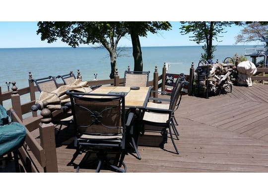 Lakefront Loft Website9