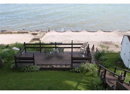 Lakefront Loft Website7