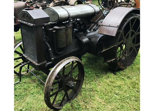 Antique Engine tractor